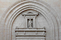 Detail of Western facade, Segovia Cathedral, (Catedral de Segovia, Catedral de Santa Maria), 1525-77, by Juan Gil de Hontanon (1480-1526), and continued by his son Rodrigo Gil de Hontanon (1500-1577), Segovia, Castile and Leon, Spain. Last Gothic Cathedral in Spain, commissioned by Carlos V (1500-58), after an earlier cathedral was damaged in the Revolt of the Comuneros, 1520. Cathedral consecrated, 1768. Picture by Manuel Cohen