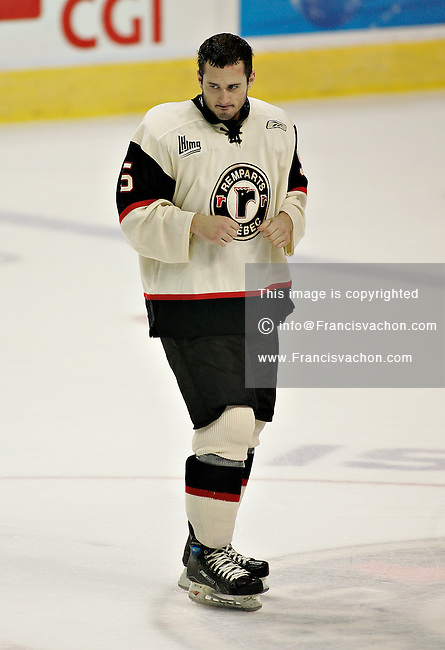 Quebec Remparts' Joey Ryan get ready for a fight  in QMJHL (LHJMQ) action against the Rouyn-Norenda Huskies at Le Colisée Pepsi in Quebec City Friday October 26, 2007. Quebec Remparts won 4 to 1.