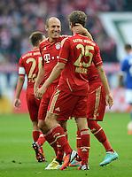FUSSBALL   1. BUNDESLIGA  SAISON 2012/2013   4. Spieltag FC Schalke 04 - FC Bayern Muenchen      22.09.2012 Jubel nach dem Tor Arjen Robben und Thomas Mueller (v. li., FC Bayern Muenchen)