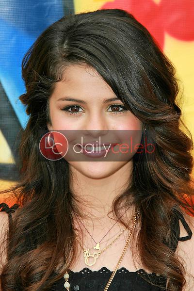Selena Gomez<br />at the 2007 Teen Choice Awards. Gibson Amphitheater, Universal City, CA. 08-26-07<br />Dave Edwards/DailyCeleb.com 818-249-4998