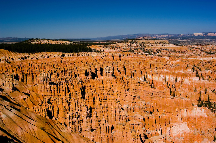 Bryce Canyon National Park, Ampitheater, Hoodoos and Silent City from Bryce Point, dawn, erosion, arid, Utah, UT, Southwest America, American Southwest, US, United States, Image ut338-17505, Photo copyright: Lee Foster, www.fostertravel.com, lee@fostertravel.com, 510-549-2202
