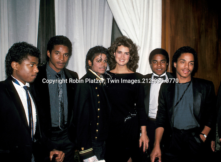 Michael Jackson Brooke Shields And His Brothers Robin