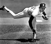 San Francisco Giants John &quot;The Count&quot; Montefusco<br />pitching at Candlestick Park in San Francisco (1975<br />photo/Ron Riesterer