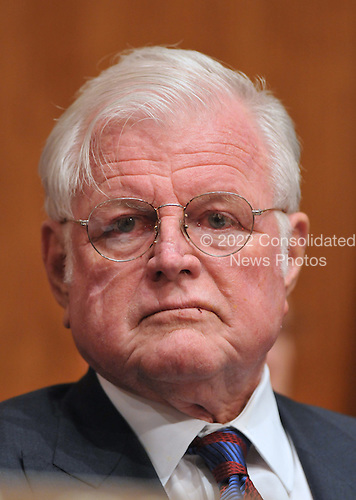"Washington, D.C. - January 8, 2009 -- United States Senator Edward M. ""Ted"" Kennedy lstens to the testimony of former United States Senator Tom Daschle (Democrat of South Dakota) as he testifies before the United States Senate Committee on Health, Labor, Education, and Pensions on his nomination to be Secretary of Health and Human Services in Washington, D.C. on Thursday, January 8, 2009..Credit: Ron Sachs / CNP"