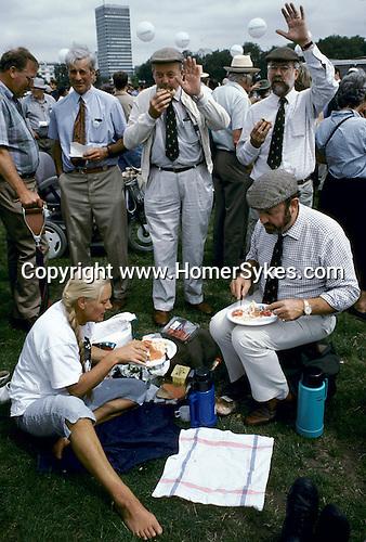 'QUANTOCK STAG HOUNDS', QUANTOCK, SOUTH SOMERSET, HYDE PARK LONDON, 1997