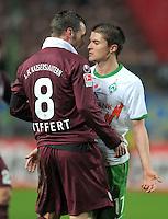 FUSSBALL   1. BUNDESLIGA  SAISON 2011/2012   18. Spieltag 1. FC Kaiserslautern - SV Werder Bremen        21.01.2012 Christian Tiffert (li, 1. FC Kaiserslautern)  gegen Aleksandar Ignjovski (SV Werder Bremen)
