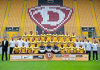 Fussball 2. Bundesliga 2011/12: Mannschaftsfoto Dynamo Dresden mit Neuzugaengen