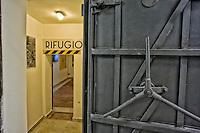 Roma 25 Ottobre 2014<br /> Aperti al pubblico i bunker segreti, costruiti tra il 1942 e il 1943,dove Benito  Mussolini e la sua famiglia cercava rifugio dai bombardamenti degli alleati nella residenza privata di Villa Torlonia. Nella foto: Il Rifugio nella sala centrale del piano seminterrato del Casino Nobile, realizzato nel 1941 rinforzato con  uno spessore di cemento armato di  120 centimetri e dotato di un sistema di depurazione e ricambio d'aria.<br /> <br /> Rome October 25, 2014 <br /> Open to the public the secret bunkers built between 1942 and 1943, where Benito Mussolini and his family sought refuge from Allied bombing in the private residence of Villa Torlonia. <br /> Pictured: The Refuge in the central hall of the basement of the Casino Nobile, built in 1941 reinforced with thick reinforced concrete of 120 cm and comes with a cleaning system and air exchange.