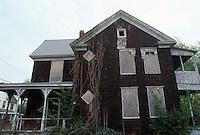 1995 April ..Conservation.Lamberts Point...Rundown Properties.Side  Exterior.1447 West 37th Street...NEG#.NRHA#..CONSERV: Lambert2 2:19