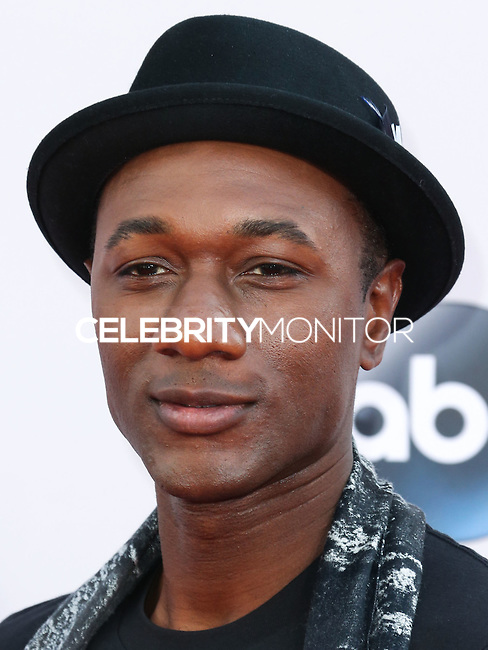 LOS ANGELES, CA, USA - NOVEMBER 23: Aloe Blacc arrives at the 2014 American Music Awards held at Nokia Theatre L.A. Live on November 23, 2014 in Los Angeles, California, United States. (Photo by Xavier Collin/Celebrity Monitor)