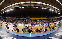 Picture by Alex Broadway/SWpix.com - 06/03/2016 - Cycling - 2016 UCI Track Cycling World Championships, Day 5 - Lee Valley VeloPark, London, England - Laura Trott of Great Britain competes in the Women's Omnium Points Race.