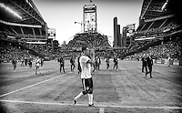 Seattle, WA - Tuesday, June 11, 2013: USMNT vs Panama during a WC qualifying match. Clint Dempsey Salutes the fans.