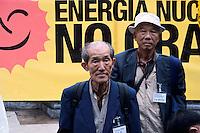 """Roma 16 Marzo 2011.Piazza della Rotonda al Pantheon.Manifestazione dei Verdi per denunciare la pericolosità delle scelte del Governo di un ritorno al nucleare in Italia.Partecipano all'iniziativa due cittadini giapponesi,Tsuboi Susumu di Hiroshima, 83 anni,  e Hiroshi Suenaga di Nagasaki, 75 anni. sopravvissuti alle bombe atomiche sganciate su Hiroshima e Nagasaki dagli americani alla fine della Seconda Guerra Mondiale. I due giapponesi stanno facendo il giro del mondo con la nave """"Peace Now""""  per dire no al nucleare...Rome March 16, 2011.Al Pantheon Piazza della Rotonda.Demonstration of the Greens pointed out the dangerousness of the government's choice of a return to nuclear power in Italy. Participating two Japanese citizens of Hiroshima Susumu Tsuboi, 83 years, Hiroshi Suenaga and Nagasaki 75 years. survived the atomic bombs dropped on Hiroshima and Nagasaki by the Americans at the end of Second World War. The two Japanese are doing around the world with the ship """"Peace Now""""to say no to nuclear."""