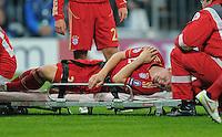 FUSSBALL   CHAMPIONS LEAGUE   SAISON 2011/2012     02.11.2011 FC Bayern Muenchen - SSC Neapel Bastian Schweinsteiger (FC Bayern Muenchen) ist an der Schulter verletzt
