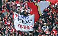FUSSBALL   1. BUNDESLIGA  SAISON 2011/2012   29. Spieltag FC Bayern Muenchen - FC Augsburg       07.04.2012 Fans gratulieren Franck Ribery (FC Bayern Muenchen) zum Geburtstag