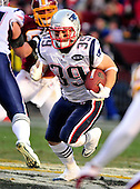 New England Patriots running back Danny Woodhead (39) carries the ball in the second quarter against the Washington Redskins at FedEx Field in Landover, Maryland on Sunday December 11, 2011..Credit: Ron Sachs / CNP.(RESTRICTION: NO New York or New Jersey Newspapers or newspapers within a 75 mile radius of New York City)