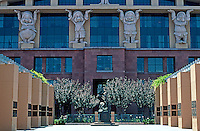 Michael Graves: Administration Building, Disney Studios 1991. Los Angeles.