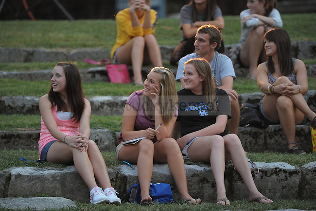 "Columnist Harlen Cohen, the author of ""The Naked Roommate"", talked to a crowd on UK's campus. Three freshman Tatum Holder, Chelsea Beegan, and Erin Plunkett (left to right) at Memorial Hall amphitheater. Photo by Mike Weaver 