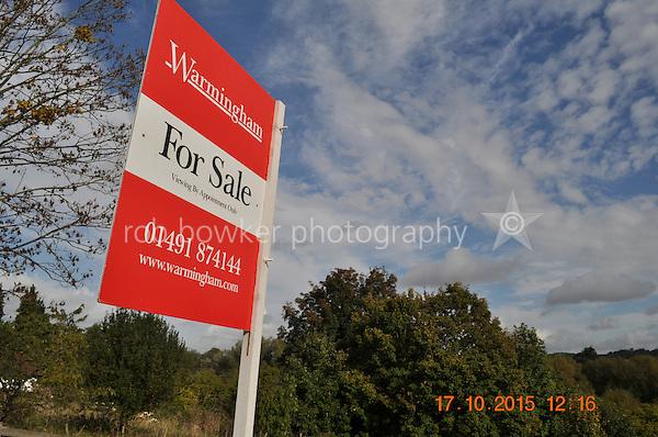 RIVERSIDE AMENITY LAND AT STREATLEY. TITLE NO: BK381630