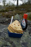Pannekaker og blåbærsyltetøy ---- Pan cakes and blueberry jam