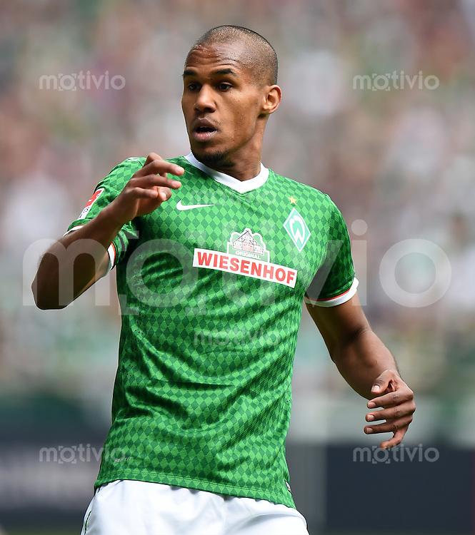 FUSSBALL   1. BUNDESLIGA   SAISON 2013/2014   31. SPIELTAG SV Werder Bremen - 1899 Hoffenhein                   19.04.2014 Theodor Gebre Selassie (SV Werder Bremen)