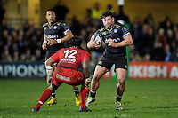 Nathan Catt of Bath Rugby in possession. European Rugby Champions Cup match, between Bath Rugby and RC Toulon on January 23, 2016 at the Recreation Ground in Bath, England. Photo by: Patrick Khachfe / Onside Images