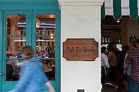 Cafe du Monde in French Quarter, New Orleans