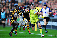 Tom Brady of Leicester Tigers looks to fend Christian Wade of Wasps. Aviva Premiership match, between Wasps and Leicester Tigers on January 8, 2017 at the Ricoh Arena in Coventry, England. Photo by: Patrick Khachfe / JMP