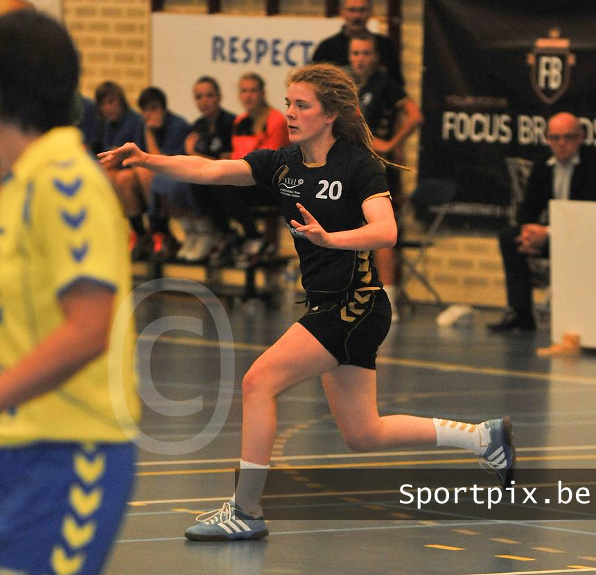 DHT Middelkerke - Izegem : Tatjana Claeys.foto VDB / BART VANDENBROUCKE