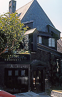 Bernard Maybeck: Goslinsky House, 3200 block Pacific, San Francisco 1909. Photo '76.