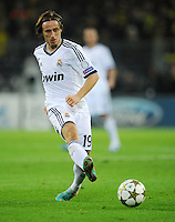 FUSSBALL   CHAMPIONS LEAGUE   SAISON 2012/2013   GRUPPENPHASE   Borussia Dortmund - Real Madrid                                 24.10.2012 Luka Modric (Real Madrid) Einzelaktion am Ball