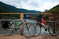 Travessia do Rio das Antas em balsa, Viagem de cicloturismo no Vale do Rio das Antas, regiao de Bento Goncalves, Rio Grande do Sul, Brasil, foto de Ze Paiva, Vista Imagens.