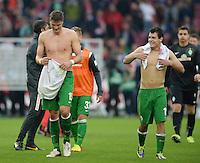 Fussball  1. Bundesliga  Saison 2013/2014  8. Spieltag VfB Stuttgart - SV Werder Bremen     05.10.2013 Sebastian Proedl (li, SV Werder Bremen) und Zlatko Junuzovic (SV Werder Bremen) nach dem Spiel