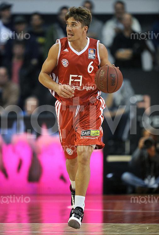 Basketball 1. Bundesliga  2010/2011  12.10.2011 FC Bayern Muenchen - Walter Tigers Tuebingen  Steffen HAMANN (FC Bayern Muenchen)