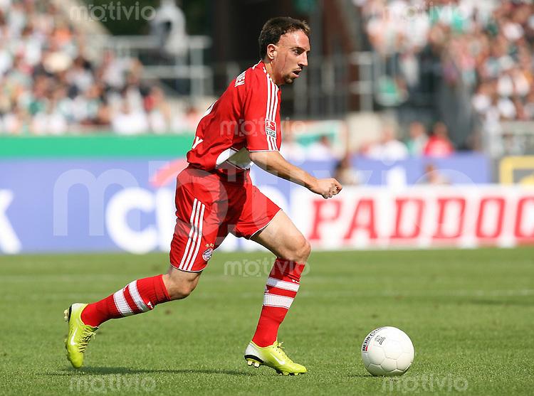 FUSSBALL     1. BUNDESLIGA    SAISON 2007/2008 Franck RIBERY (FC Bayern Muenchen), Einzelaktion am Ball
