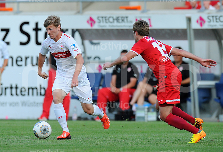 FUSSBALL  1. Bundesliga   2013/2014   Testspiel   FC Heidenheim - VfB Stuttgart   13.07.2013 Timo Werner (li, VfB Stuttgart)  gegen Christian Sauter (FC Heidenheim)