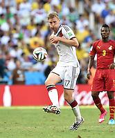 FUSSBALL WM 2014  VORRUNDE    GRUPPE G     Deutschland - Ghana                 21.06.2014 Per Mertesacker (Deutschland) am Ball