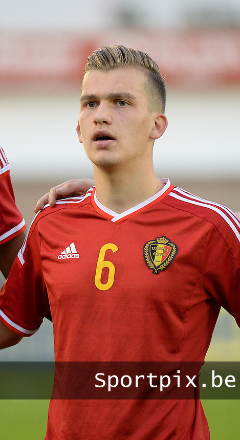 20151009 - DEINZE , BELGIUM  : Belgian Martin Remacle pictured during the soccer match between Under 19 teams Belgium and Belarus , on the second matchday in group 13 of the UEFA Qualifying Round Under 19 in Deinze , Belgium . Friday  9 th October  2015 . PHOTO DAVID CATRY