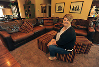 NWA Democrat-Gazette/Michael Woods --05/06/2015--w@NWAMICHAELW... Mary Lou Gates in her living room at her Fayetteville home.