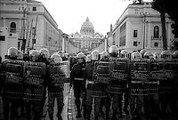 Roma 16 Dicembre 2000  .Manifestazione antifascista per protestare contro il leader austriaco Jorg Haider in visita in Vaticano.  .La Polizia in Difesa del Vaticano...Rome, December 16, 2000.Anti-fascist demonstration in protest against the Austrian leader Jorg Haider to visit the Vatican..Police in Defense of Vatican.I manifestanti si scontrano con la polizia