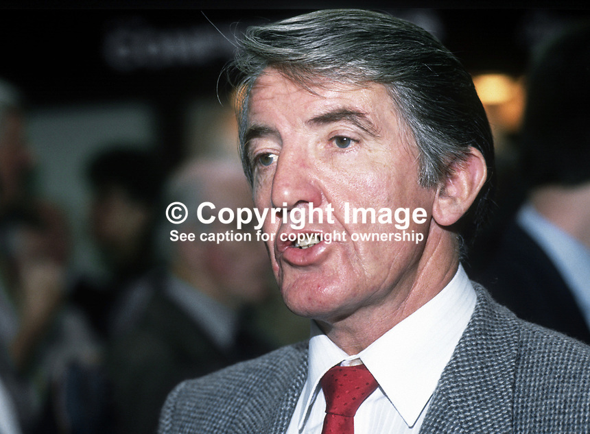 Dennis Skinner, MP, Labour Party, Bolsover, UK, 19901004002.<br />