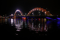 Da Nang<br /> bridges at night