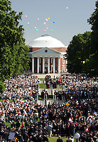 Thousands of students, faculty members and parents filled the lawn for the 2006 gradution ceremonies Sunday May 21, 2006 at the University of Virginia in Charlottesville, Va. Photo/The Daily Progress/Andrew Shurtleff