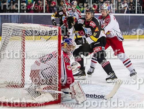 15.03.2013, Eisarena, Salzburg, AUT, EBEL, EC Redbull Salzburg vs UPC Vienna Capitals, Playoff Halbfinale, 2. Runde, im Bild Chance fuer Daniel Woger, (UPC Vienna Capitals, #51) // during the Erste Bank Icehockey League playoff semifinal 2nd match between EC Redbull Salzburg and UPC Vienna Capitals at the Icearena, Salzburg, Austria on 2013/03/15. EXPA Pictures © 2013, PhotoCredit: EXPA/ Roland Hackl