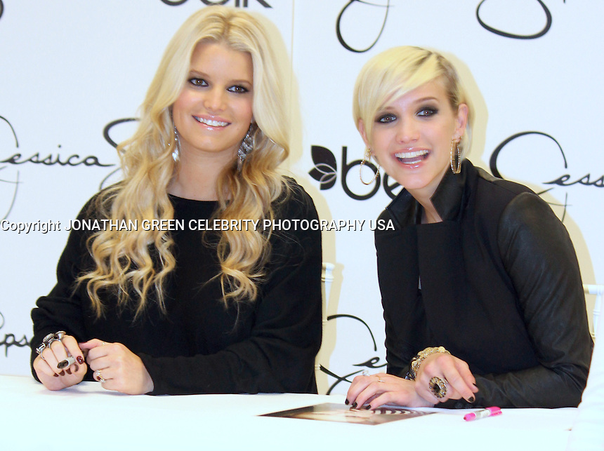 Jessica And Ashlee Simpson Raleigh North Carolina USA