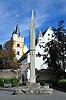 Evangelische Kirche - Burgkirche - mit romanischem Tum, davor Kriegerdenkmal, in Ober-Ingelheim