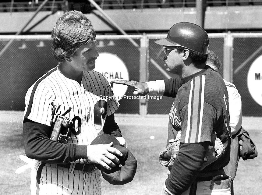 All-stars Mike Schmidt and Reggie Jackson talking before 1984 MLB All-Star game in San Francisco.<br />(photo/Ron Riesterer)