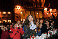 Roma 20 Aprile 2013.Proteste davanti a Montecitorio  del Movimento Cinque Stelle  per la rielezione di Giorgio Napolitano alla Presidenza della Repubblica . Manifestanti davanti Palazzo Chigi  gridano Rodotà