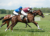 Better Than Even (1) leads Lonesome over last in Foxhunters Bowl.