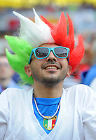 FUSSBALL  EUROPAMEISTERSCHAFT 2012   VORRUNDE Spanien - Italien            10.06.2012 Italienischer Fan